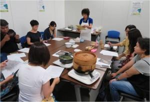 ワークショップ「プラナカンの伝統菓子を作る」(8月6日) 「ニョニャ料理教室」(8月7日)(講師:平岡弘子氏)参加者:各回10名