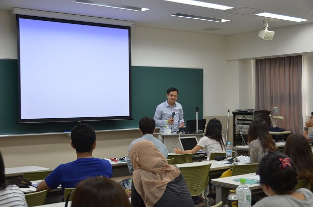 Nick_san_at_Kwansei_Gakuin_Univ