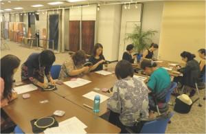 ワークショップ「プラナカン・ビーズ教室」(8月6日、7日 講師:下山田幸子氏)参加者:各回10名